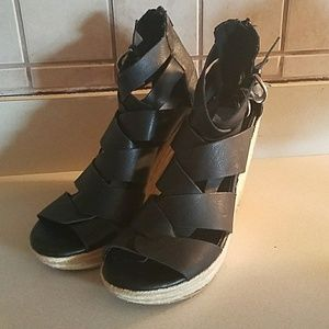 Dolce Vita platform sandal